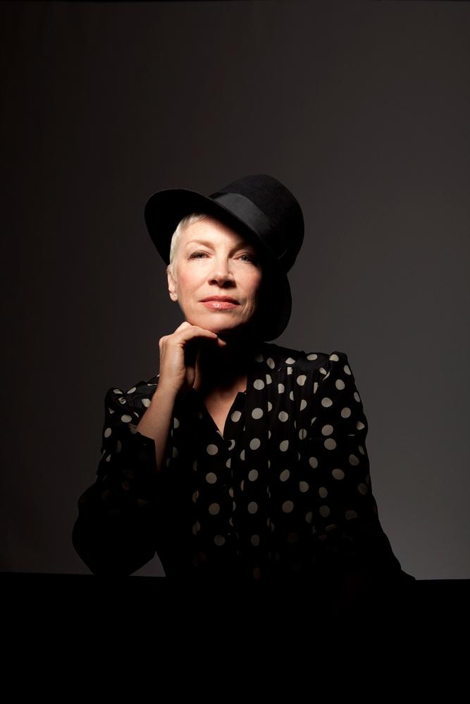 Annie Lennox – NOSTALGIA